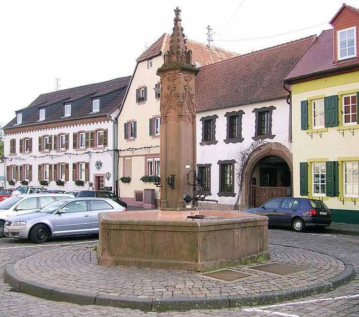 Marktbrunnen in Edenkoben