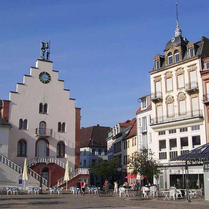 Rathausplatz in Landau an der Weinstraße